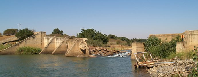 Flood damage to a weir in the Komati River