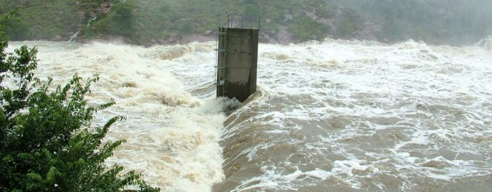 Witbank Dam in flood